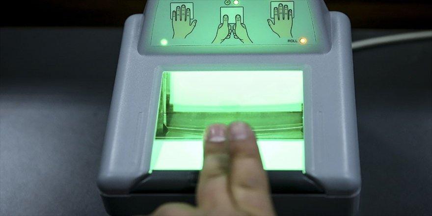 Kimlik kartlarına parmak izi gelebilir