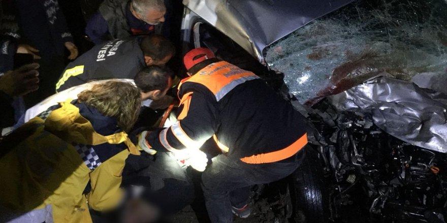 Feci kaza:1'i çocuk 4 ölü, 3 yaralı