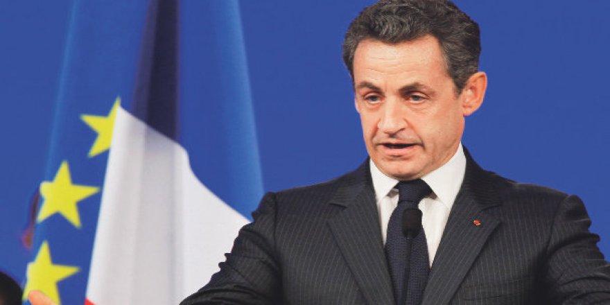 Fransa Cezayirli imamı sınır dışı etti