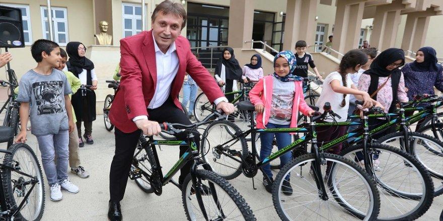 Çayırova Belediyesi bisiklet dağıtacak