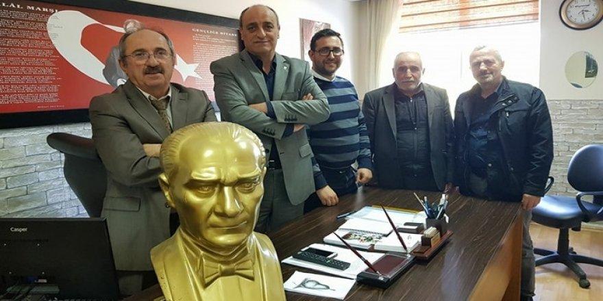 CHP, o okula Atatürk büstü yaptırdı