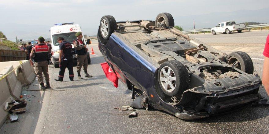 Otomobil traktöre arkadan çarptı: 1 ölü, 1 yaralı