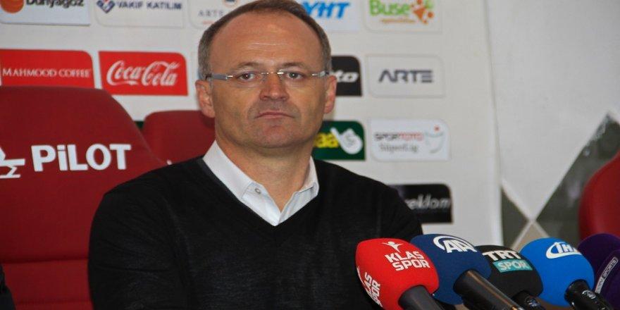 Buz: Allah nasip ederse Osmanlıspor'u ligde bırakacağız