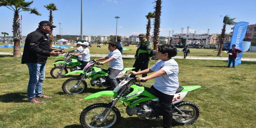Çocukların motosiklet heyecanı