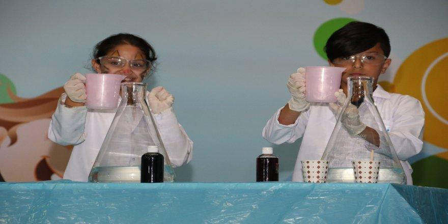 Bilim ve şov festivalde bir arada
