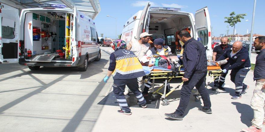 Mantolama yaparken iskeleden düşen işçi yaralandı