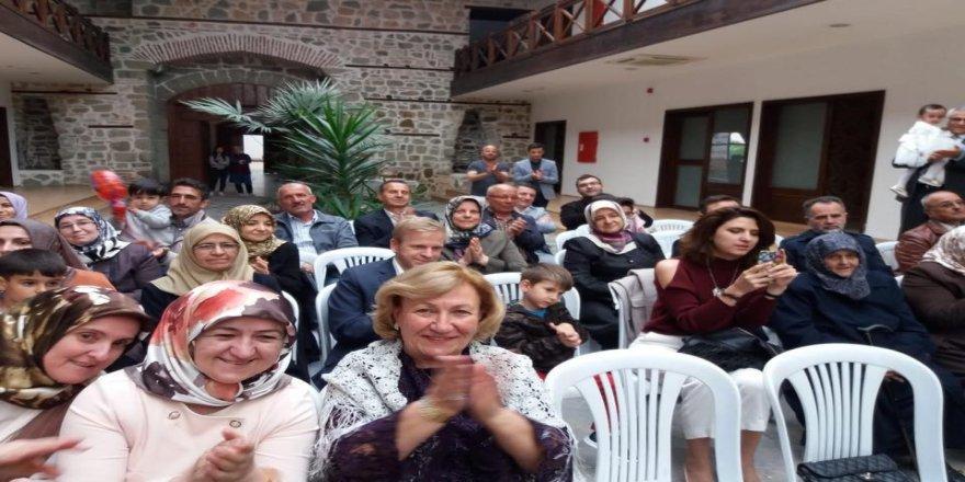 380 yıllık tarihi kervansarayda mutluluğa adım attılar