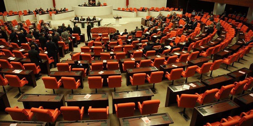 Uyum yasaları Anayasa Komisyonu'nda kabul edildi