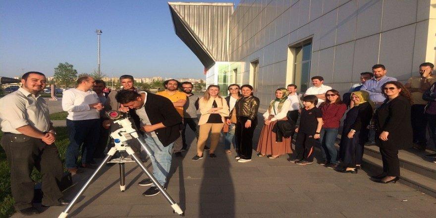 Astronomi meraklıları Bilim Merkezine