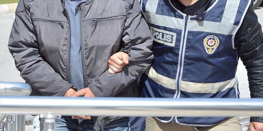 Erdoğan'a hakaret eden 11 kişiye gözaltı