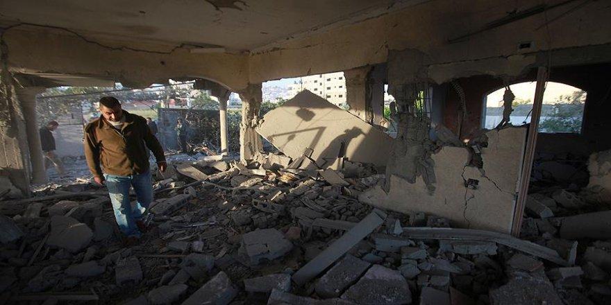 İsrail askerleri, Filistinlinin evini havaya uçurdu