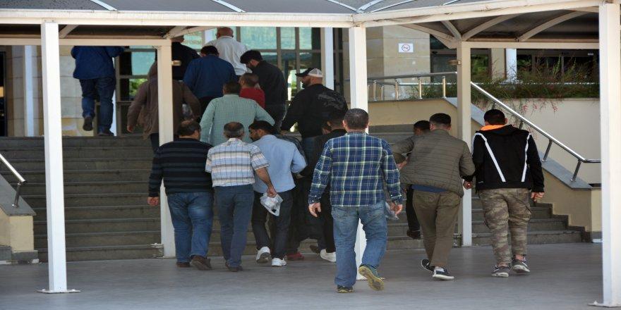 60 şüpheliden 42'si tutuklandı