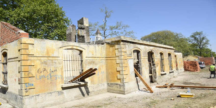 Tarihi gar binaları restore ediliyor