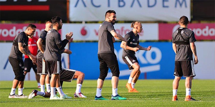 Beşiktaş, derbi hazırlıklarını sürdürdü