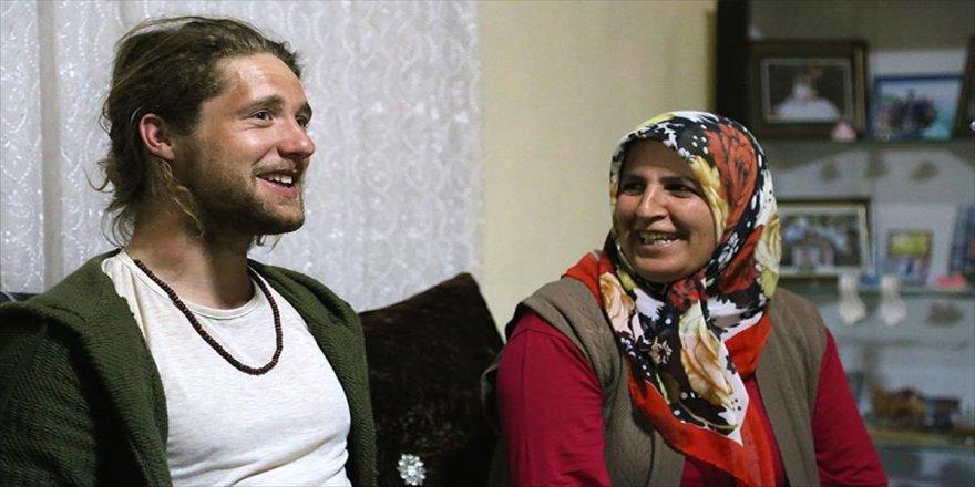 Türk aile İngiliz maceracının gönlünü fethetti