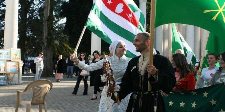 Çerkesler, Abhazya'da kutlama yaptı