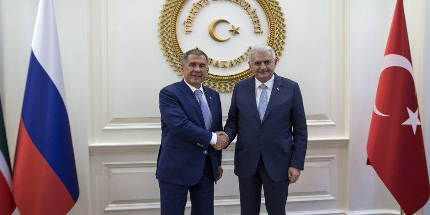 Başbakan, Tataristan Cumhurbaşkanı ile bir araya geldi
