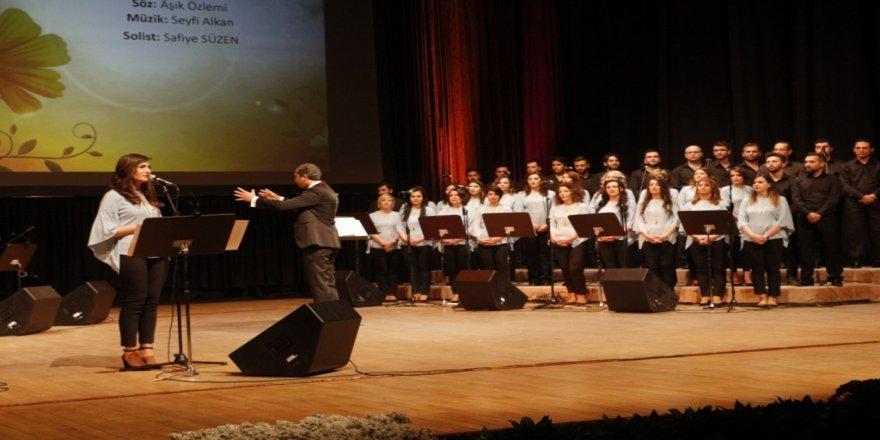Türk Dünyası Müzik Topluluğu müzikseverlerle buluştu