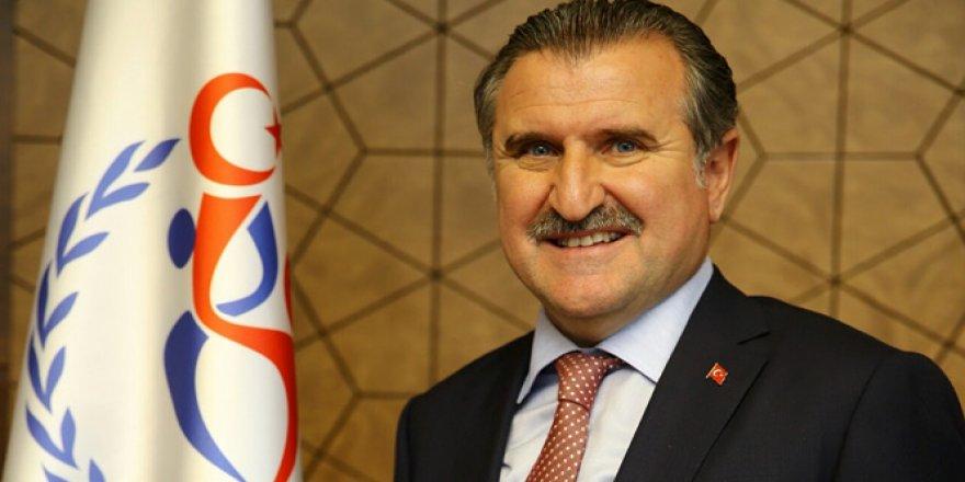 Bakan Bak, Galatasaray'ı tebrik etti