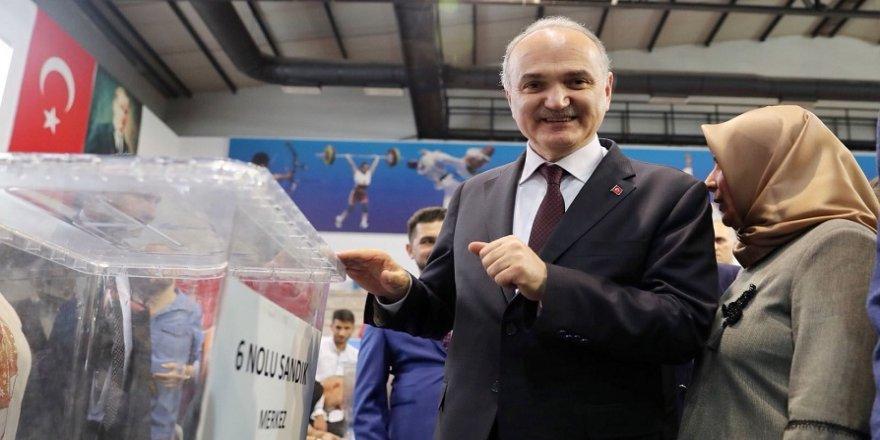 Bakan Özlü: CHP'de bir şans görmüyorum