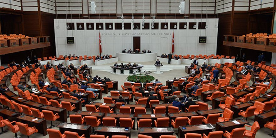 Meclis'e giren kadın milletvekilleri
