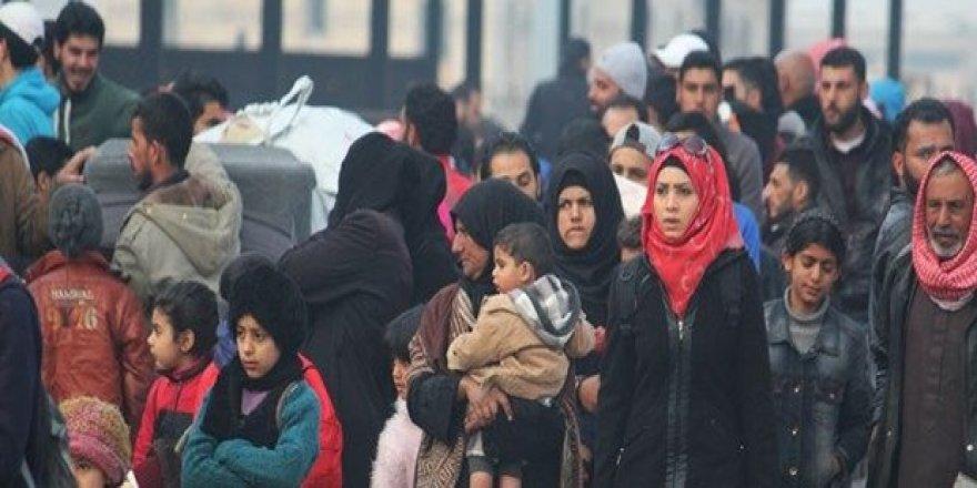 Suriye'de rejim ablukasından zorunlu tahliyeler sürüyor