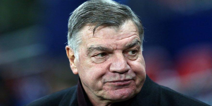 Everton, 'Big Sam' ile yollarını ayırdı