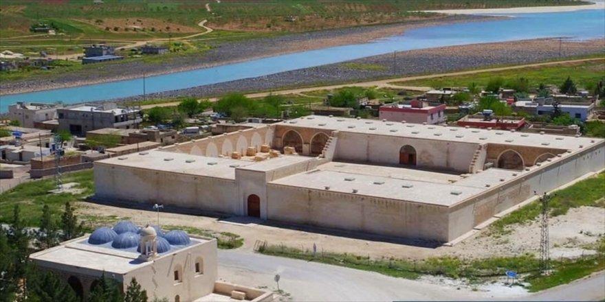 Tarihi kervansaray 'tarım müzesi'ne dönüşüyor