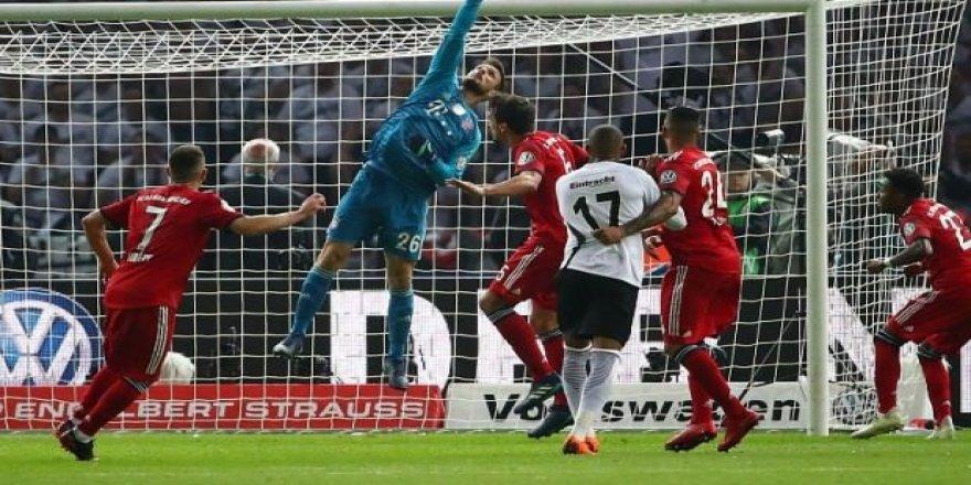 Bayern Münih, kupayı yeni hocasına kaptırdı!