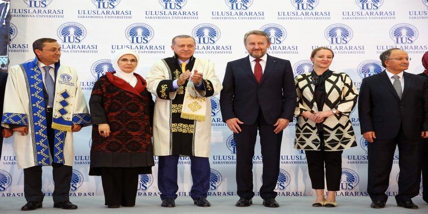 """Cumhurbaşkanı Erdoğan: """"FETÖ toplumun her alanına kollarını dolamış bir ahtapot olarak varlığını sürdürmeye çalışıyor"""""""