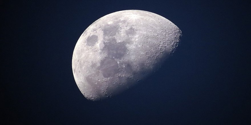 Çin, Ay'ın karanlık yüzü için uydu gönderdi