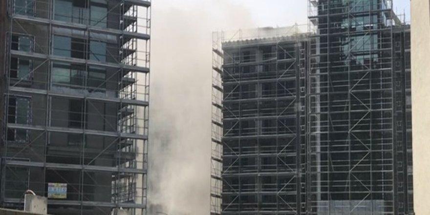 Lüks site inşaatında yangın