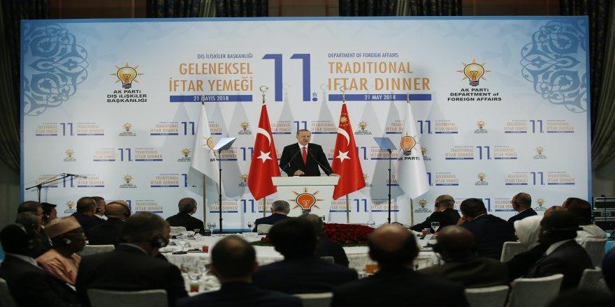Cumhurbaşkanı Erdoğan iftarda büyükelçilerle bir araya geldi