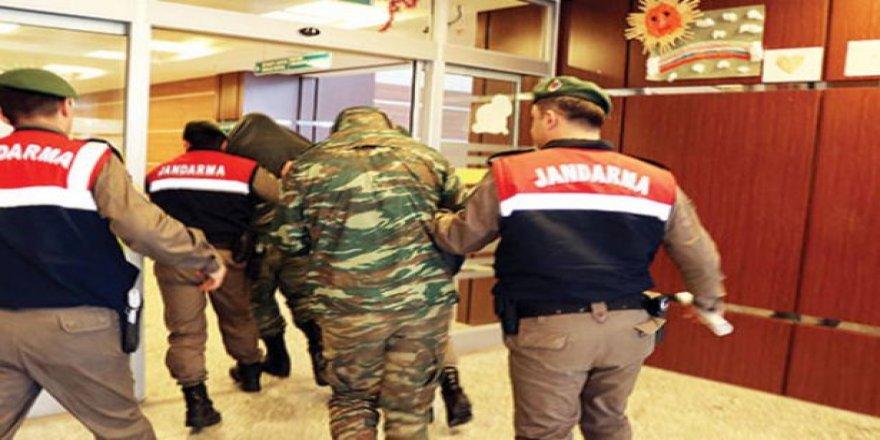 Yunan askerlerin tutukluluk haline devam kararı