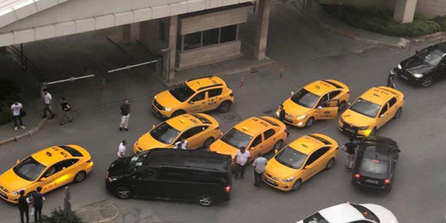 Uber sürücüsüne küfür eden taksi sürücülerine operasyon