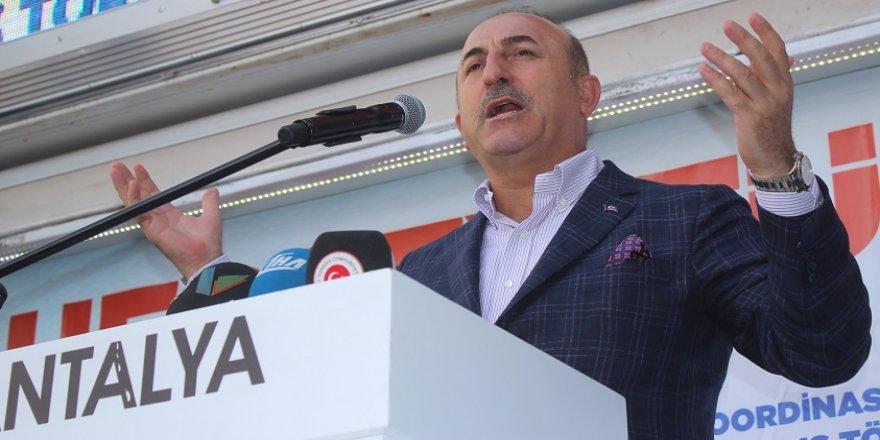 Çavuşoğlu: 1,8 milyar ümmet, Erdoğan için dua ediyor
