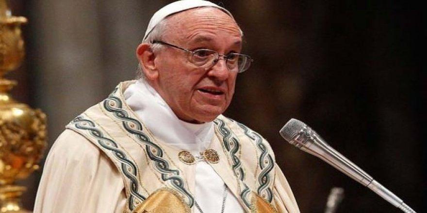 Papa, Trump'ı eleştirdi