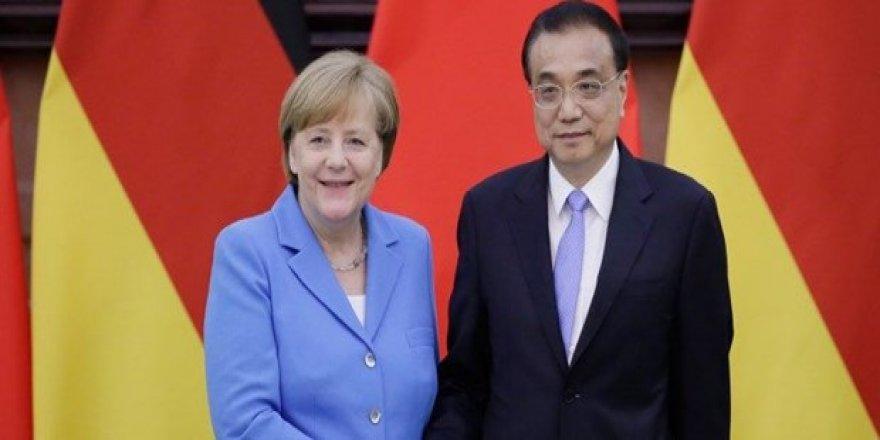Çin ve Almanya'dan İran'a destek