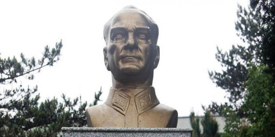 Atatürk büstünü tahrip eden şüphelinin davasında karar