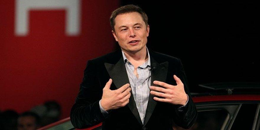 Musk'tan uyarı: İnsanlık için giyotin olabilir