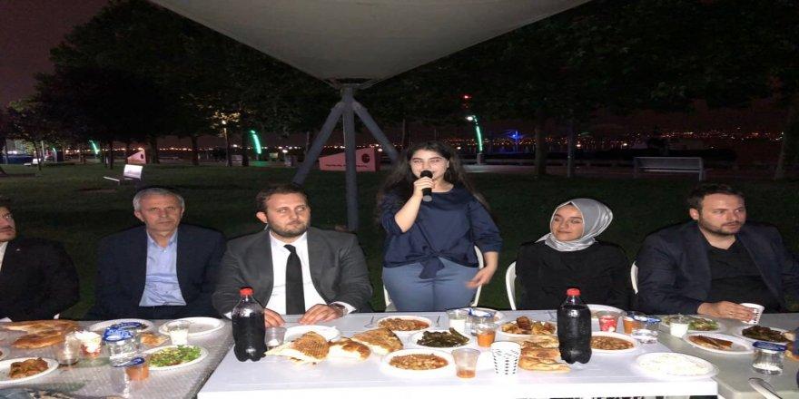 Türkiye'nin en genç Milletvekili adayı, gençlerle buluştu