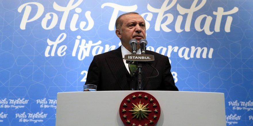 Erdoğan, polis teşkilatıyla iftarda buluştu