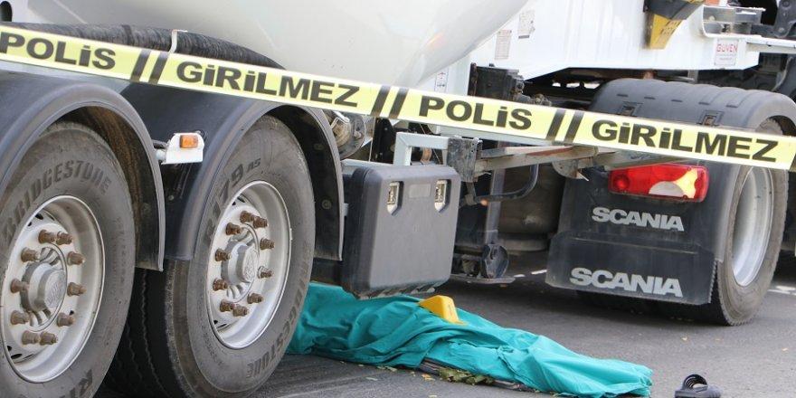 Tırın çarptığı Suriyeli iş adamı öldü