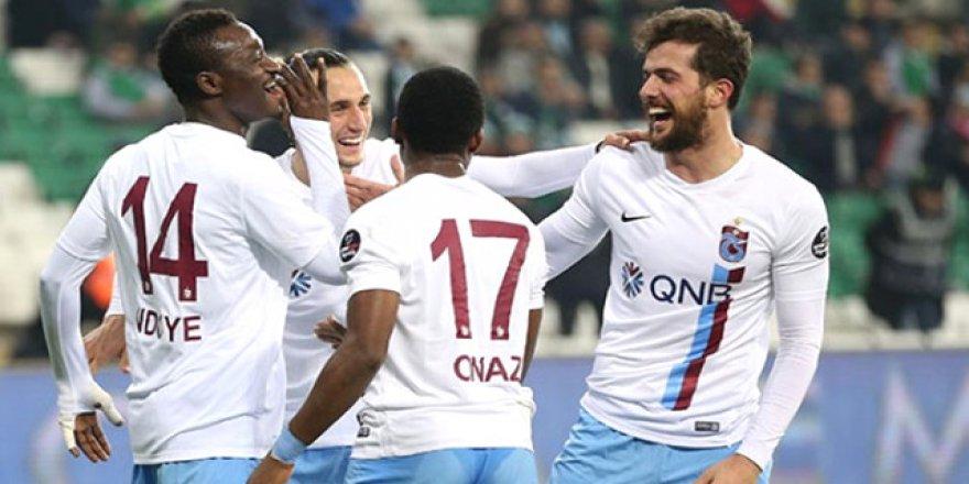 Trabzonsporlu futbolcu Medipol Başakşehir yolunda