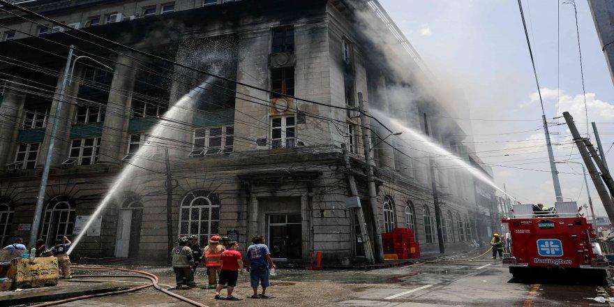 Ulusal Arşiv binasında yangın