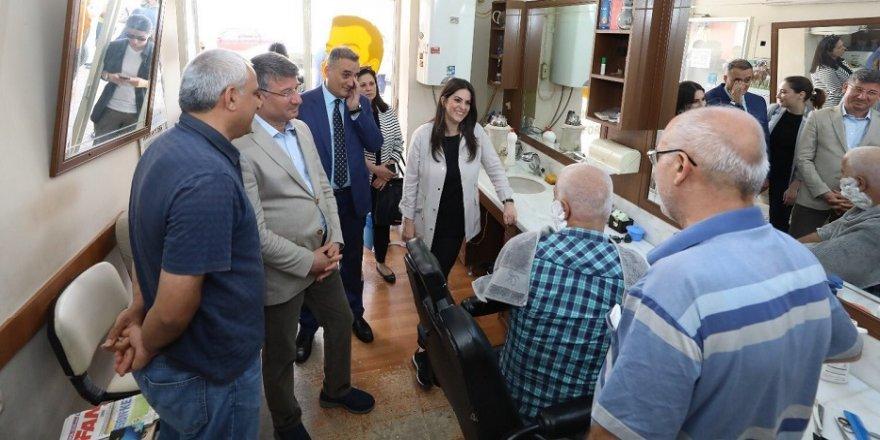 Bakan Sarıeroğlu, esnafı ziyaret etti