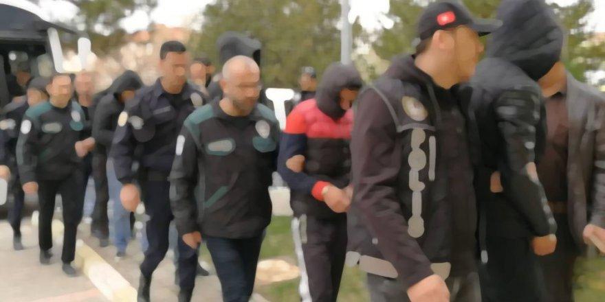 FETÖ'nün askeri yapılanmasına operasyon: 35 gözaltı