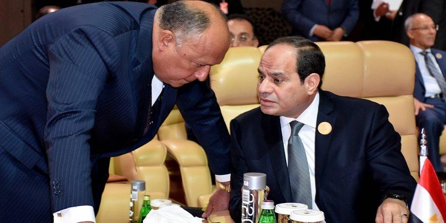 Darbeci Sisi, ikinci dönem için yemin etti