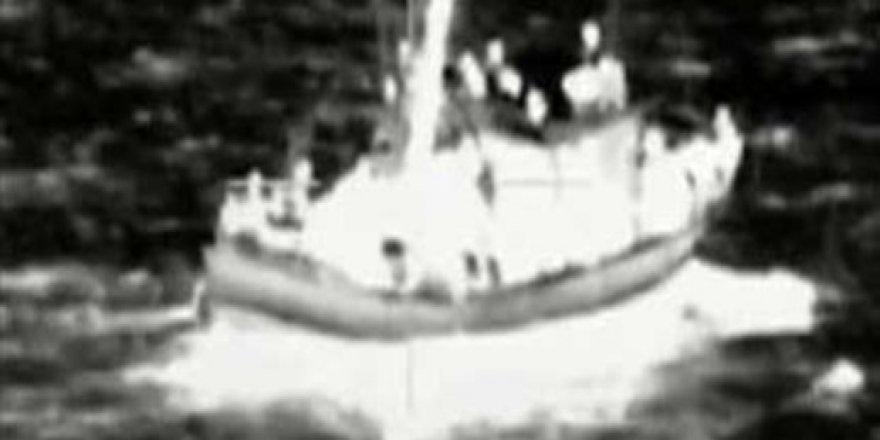 Göçmenleri taşıyan tekne battı: 40 ölü