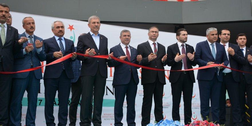 Bakanı Demircan, bir günde 3 hastane açtı